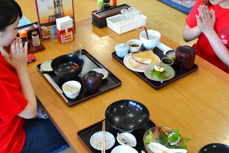 昇開橋温泉での昼食