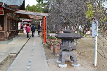 ハートのペア石灯籠