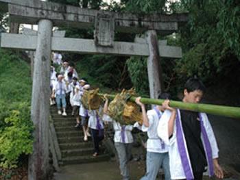 岩崎の子ども川まつり